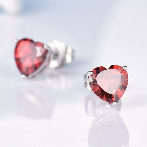 Lovely 18 ct white gold filled ruby red crystal heart stud earrings