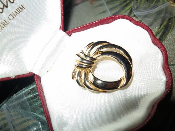 Beautiful vintage goldtone   scarf clip or dress clip