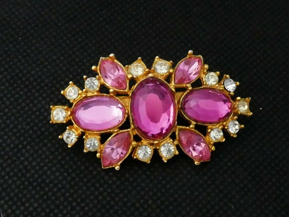 Beautiful Goldtone Clear and Pink Glass & Rhinestone Floral brooch