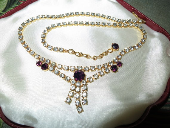 Lovely goldtone vintage clear and amethyst purple glass necklace