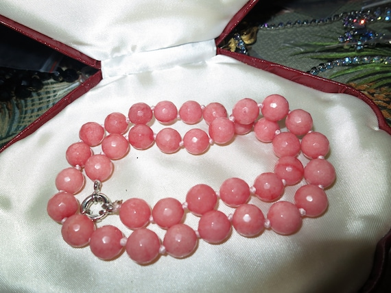 Lovely 10mm knotted faceted pink rhodochrosite stone necklace  18""