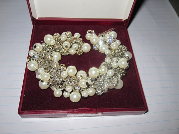 Lovely vintage Jasper Conran fx pearl and diamante  chunky bracelet