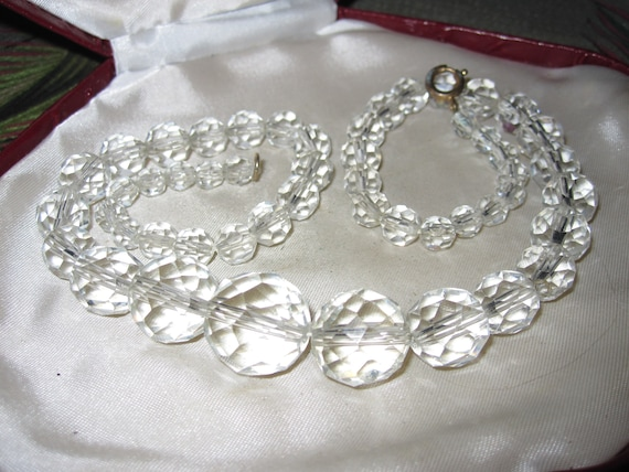Lovely vintage Deco sparkly faceted crystal glass necklace  17.5 inches