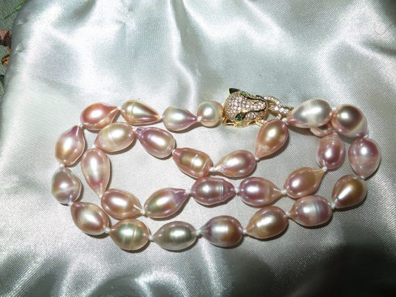 Lovely new handmade 11-12mm cultured freshwater baroque rainbow pearl necklace