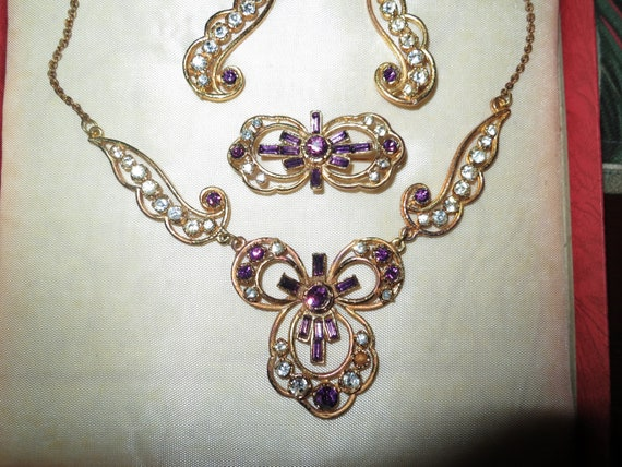 Lovely Vintage Art Deco set of amethyst glass necklace earrings and brooch with box