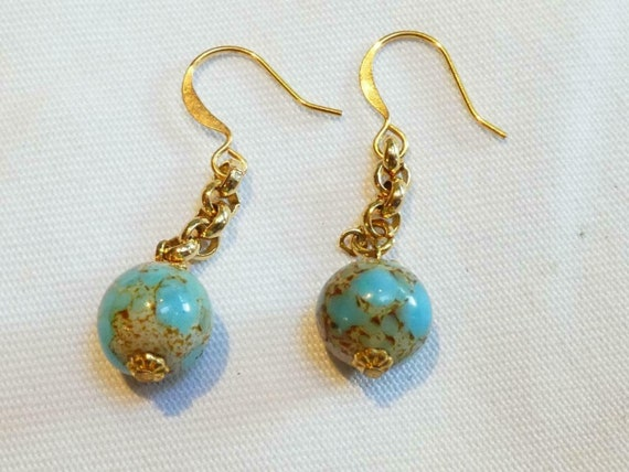 Pretty vintage Goldtone Short Chain & Turquoise gold Ball Bead Glass Drop earrings