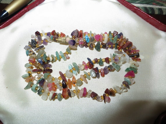 Pretty vintage Mixed jade amethyst agate and Semi-Precious Stone necklace