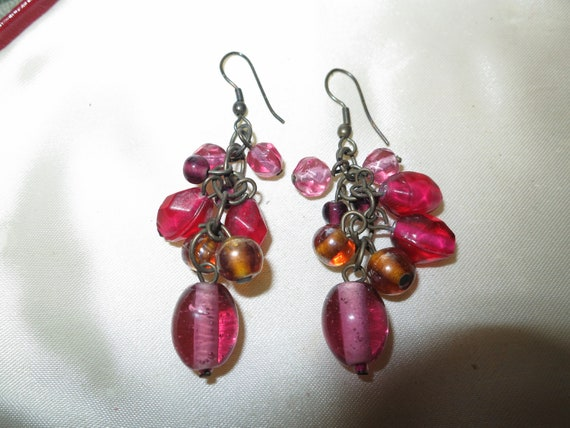 Lovely pair of vintage pink and red glass dropper earrings