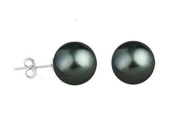 Beautiful  10 mm  black seashell pearl sterling silver stud earrings