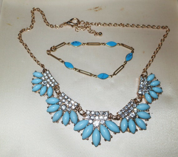 Lovely vintage 1950s goldtone Deco styled turquoise lucite and rhinestone necklace and bracelet