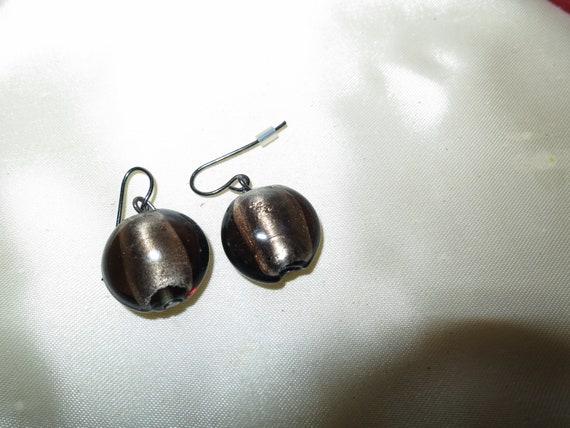 Lovely vintage silvertone smoky topaz glass dropper earrings