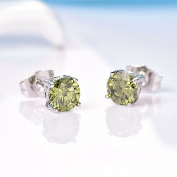 Lovely 18ct white gold filled green peridot sapphire crystal stud earrings August birthstone