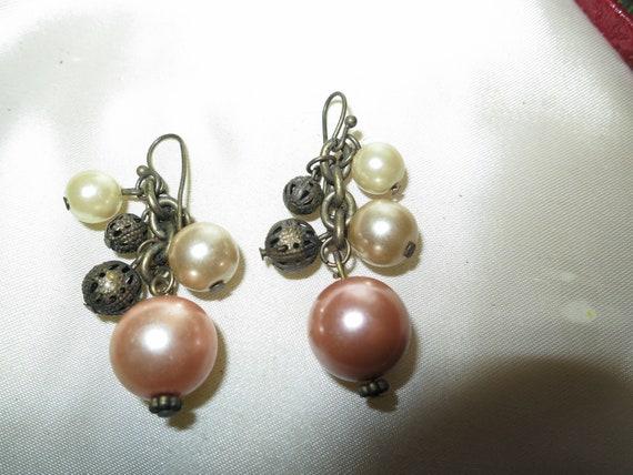 Fabulous pair of vintage fx golden pearl earrings