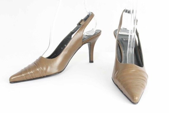 Stuart Weitzman Size 6B Beige Pleated Leather pointy toe  Slingback kitten heel  Pumps