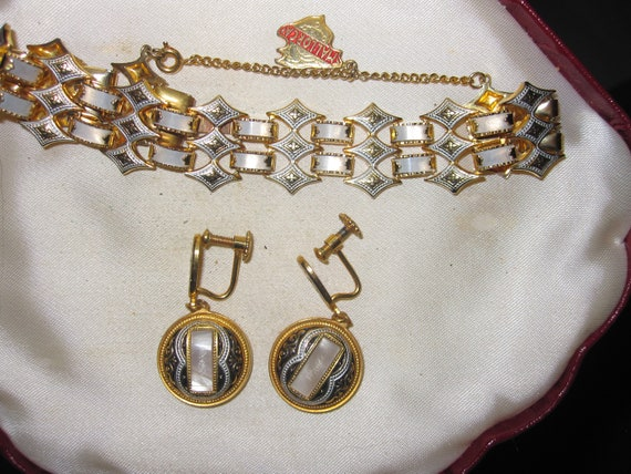 Beautiful Vintage  Toledo Damascene panel bracelet with safety chain & Earrings