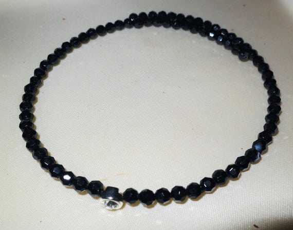 Lovely vintage faceted black beaded memory wired choker necklace with 7.5mm zircona crystal