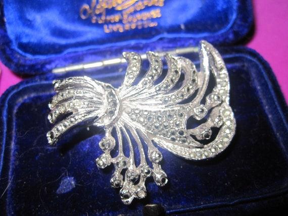 Wonderful  vintage 1950s marcasite silver tone floral brooch