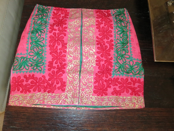 Gorgeous as new Paul Ropp red green and gold embroidered skirt size M as new