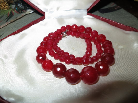 Lovely faceted graduated natural raw ruby necklace 18""