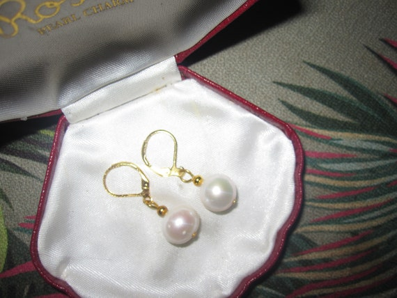 Beautiful 18 ct Goldplated genuine 10mm white freshwater pearl leverback earrings