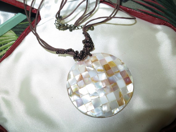 Lovely vintage 70s Brown cord & Circular Cream/Bronze mother of pearl mosaic Pendant  necklace