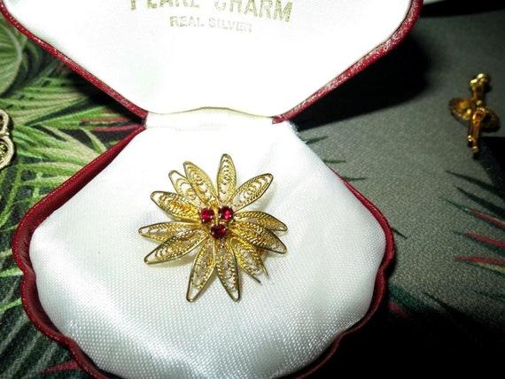 Pretty  vintage gold filigree metal red glass flower brooch