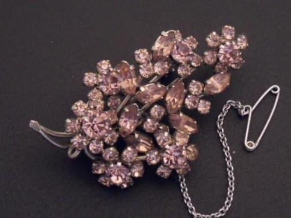 Wonderful  vintage Pale Pink/Lilac Marquise/Round Rhinestone Floral brooch