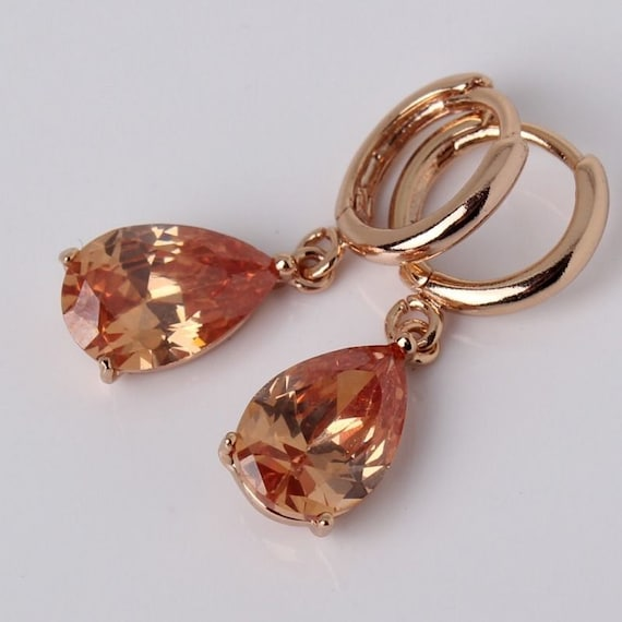 Lovely 18 ct rosegold filled champagne sapphire crystal drop earrings