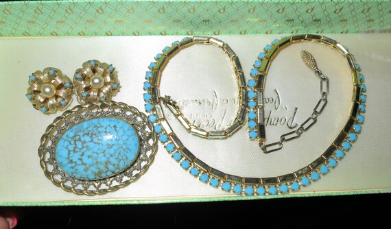 Vintage   turquoise necklace, brooch and clip on earrings jewellery set