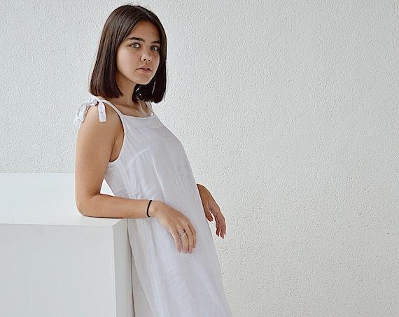 Linen night dress -/Handmade sleepwear / Soft linen sleep dress / Dress with regulating straps / Long white dress - Soft loungewear
