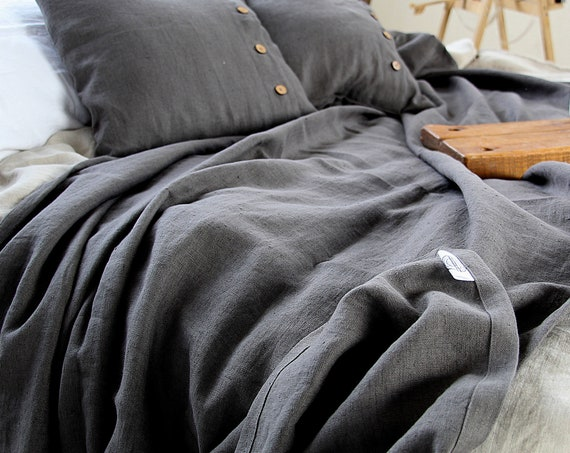Linen throw blanket / Grey throw / with fringe / without fringe / Softened thick linen coverlet / Dark Gray linen bedspread / Summer blanket
