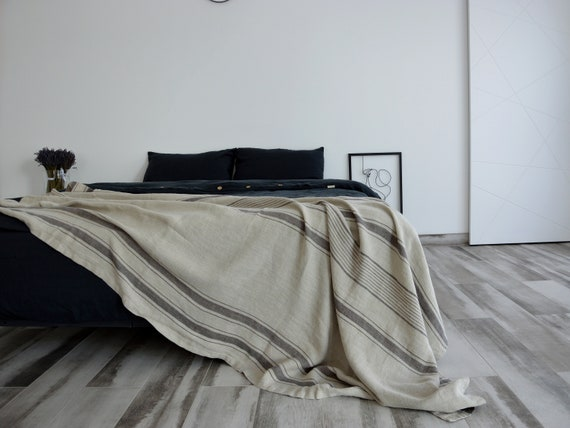 Linen throw 290 GSM / Rustic linen throw / Striped throw / Heavy weight  linen blanket /  Softened thick linen coverlet / Summer blanket