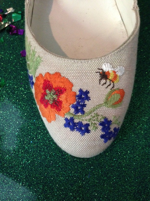 California Bumble Bee Heels