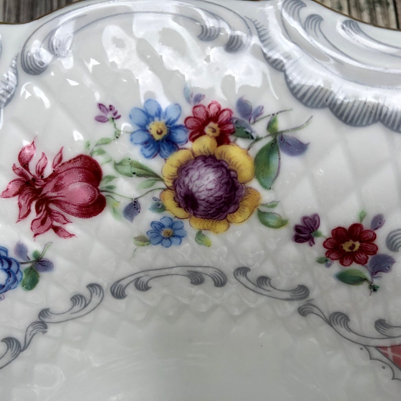 POST WWII HISTORY**Schumann Bavaria oval vegetable bowl Dresden flowers and red lattice Bouquet pattern variant