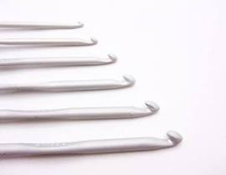 Crochet Hooks Plastic from No.2.0mm to No.9mm