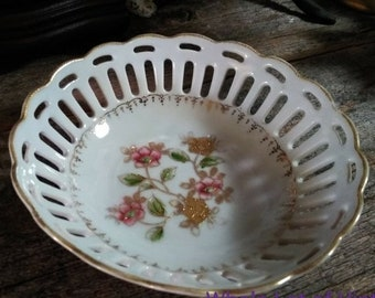 """Vintage Porcelain Lace Bowl, Occupied Japan, Antique 6"""" x 2.5"""" Fruit Bowl, Openwork Lace Cutwork, Pink and Gold Hand Painted Flowers"""