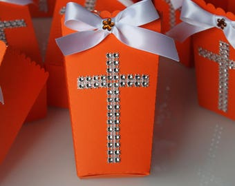 Box with pop corn or candies for party table - baptism - rhinestone cross
