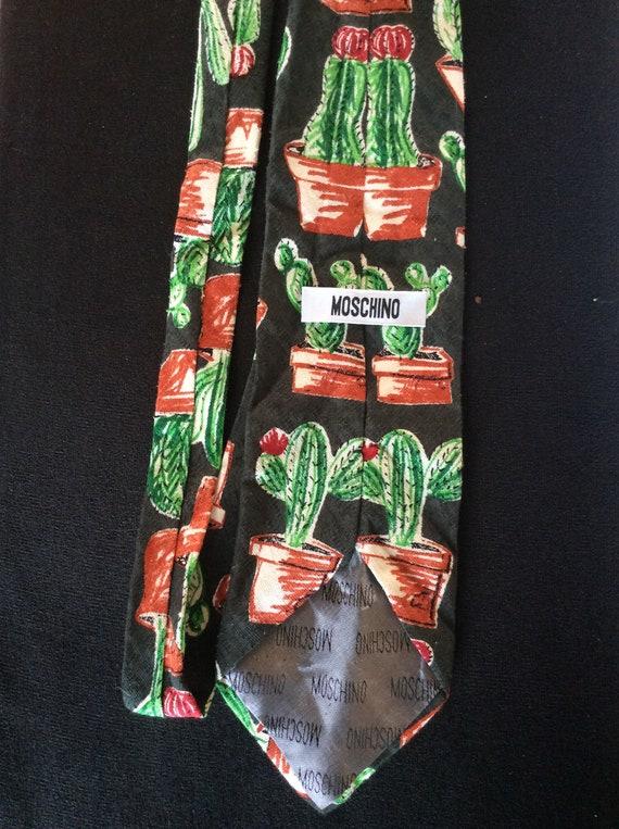 Vintage Moschino tie. Cactus