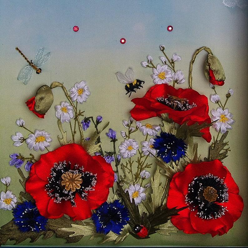 Pavot rouge, horloge murale cadeau, fleurs brodées, horloge murale fait à la main, des cadeaux pour elle, cadeau femme, cadeau femme, cadeau petite amie, т2ч20