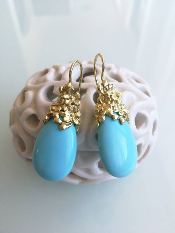 Turquoise stone earrings. Silver earrings. Ancient