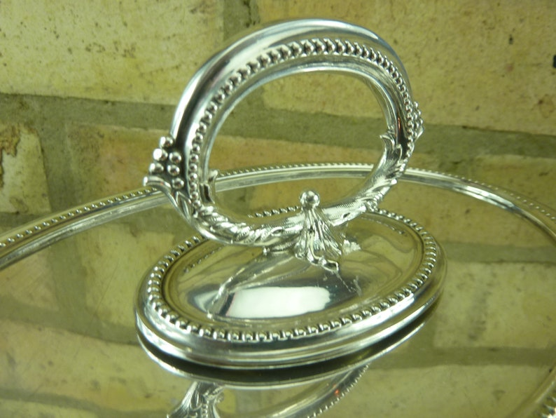 A nice Antique Arthur Elwell silver plated serving tureen entree dish