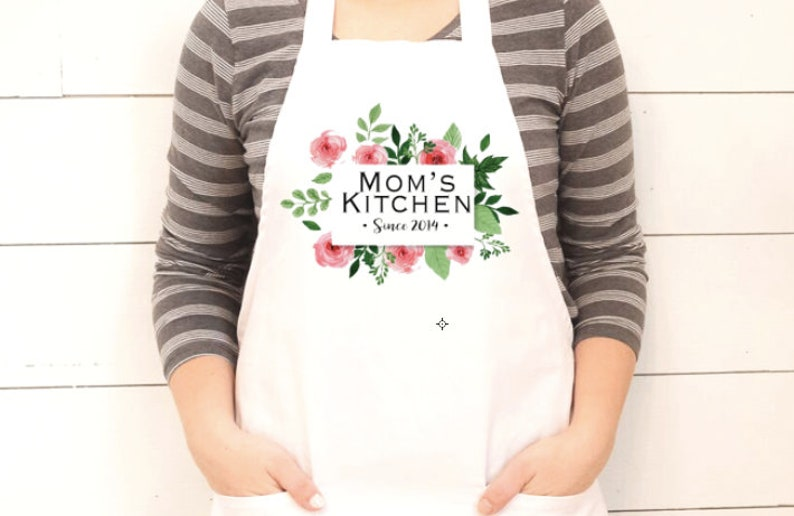 Moms Kitchen Women's Apron Custom Gift Mommy Me Gift l Personalized Gift  Childrens Apron Mother's Day Gift Box