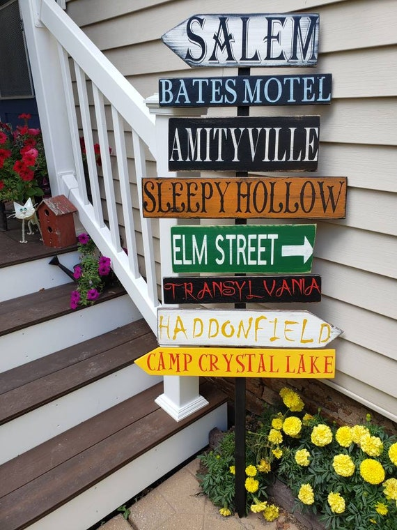 Halloween Directional Sign Porch Sign Distressed Pallet Wood