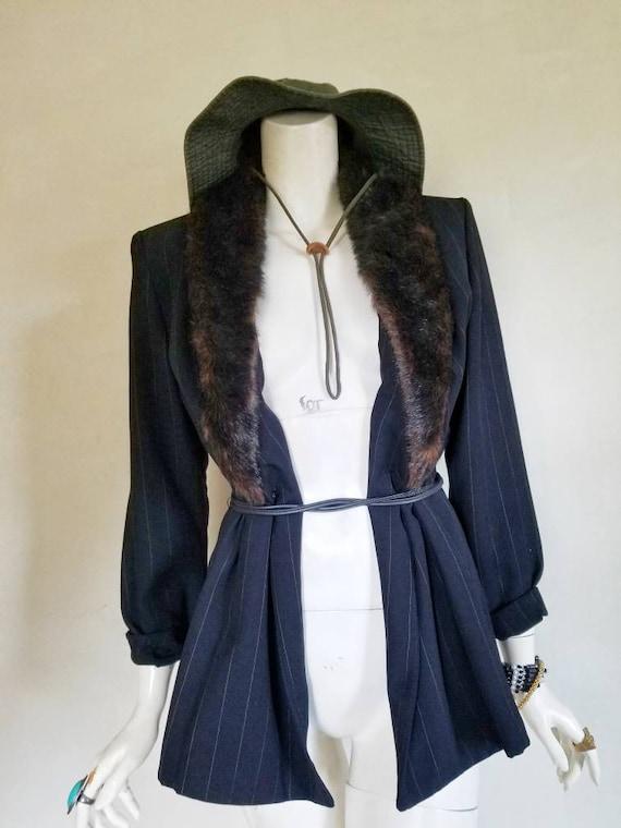 Vintage Jessica Howard Brown Fur Trimmed Neck Stri