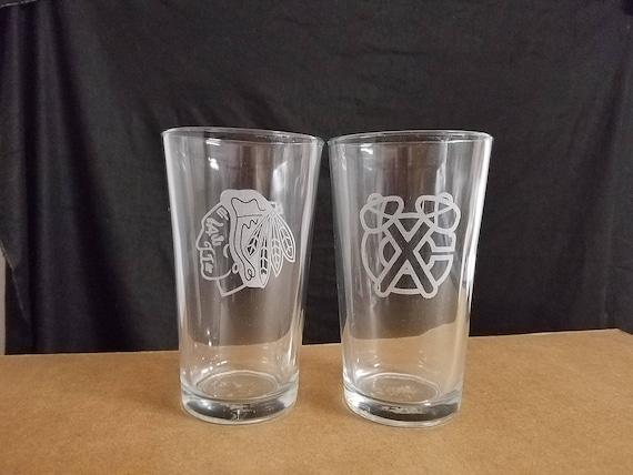 A Set Of 2 Laser Etched Pint Glasses Chicago Blackhawks 2