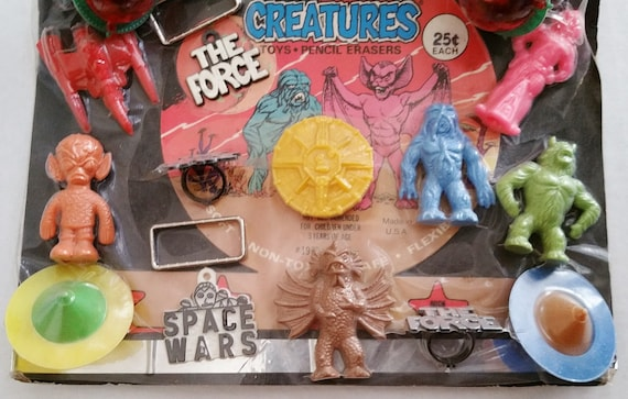 Alien Creatures Gumball Vending Machine Display Card Toys Backdrop Mini Erasers Prizes Charms 1970s Ultra Rare Collector Toy Classic Sci Fi