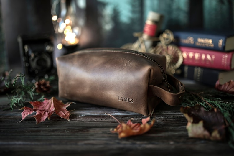 Personalized leather dopp kit, mens leather toiletry bag, mens dopp kit, groomsmen gift mens toiletry bag with a name stamp, photo