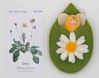 Waldorf finger puppet | Daisy flower fairy doll | Wool felt doll | waldorf inspired | Wild flowers | April birth flower