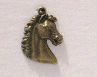 2 Large Antique Bronze Horse Head Pendant, Western Pendant, Horse Pendant, Horse Necklace, Horse Lover's Gift, Western Jewelry, Horse Head