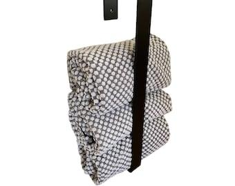 Vertical Towel Rack, Metal Bar for Bathroom Storage
